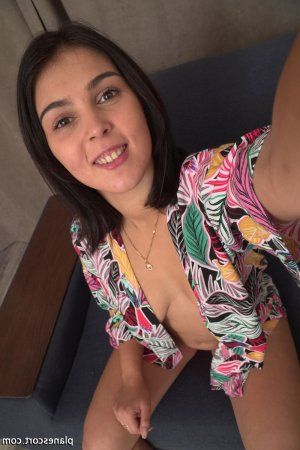 Renetta massage érotique escort girl 6annonce à Marguerittes